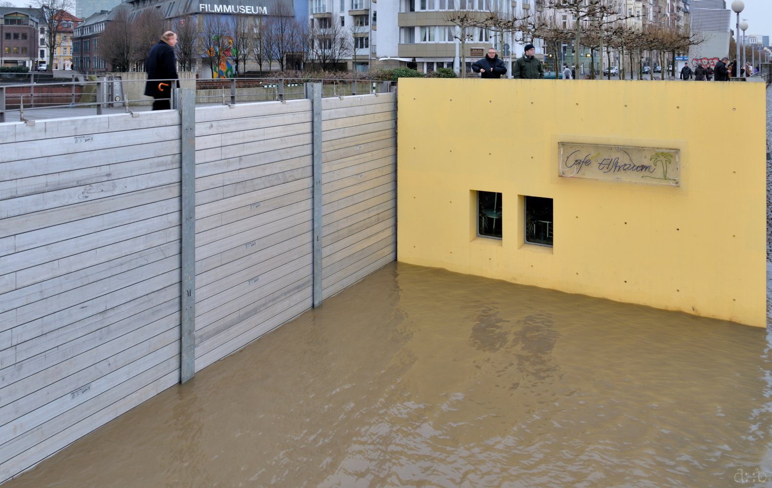 Passage between Düsseldorf's Altstadt and the Rhine riverside, during a winter flood.
