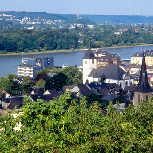 Königswinter in 1989, with the Rhine and, in the background, Bonn and Bad Godesberg.