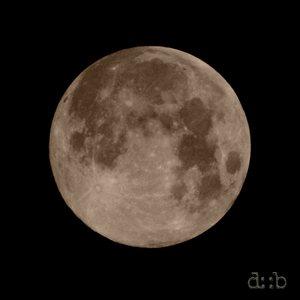 A plain, full moon