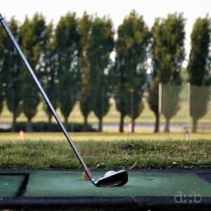 Golf training on Düsseldorf's old port area